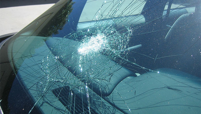 Mobile windshield replacement and chip repair in Prescott for your auto glass