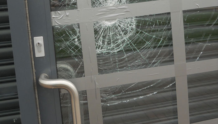 Fast glass repair and replacement in Prescott for your business!